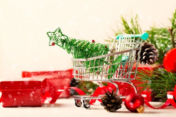 Christmas-Shopping-Trolley-with-toy-tree-and-Present-Boxes